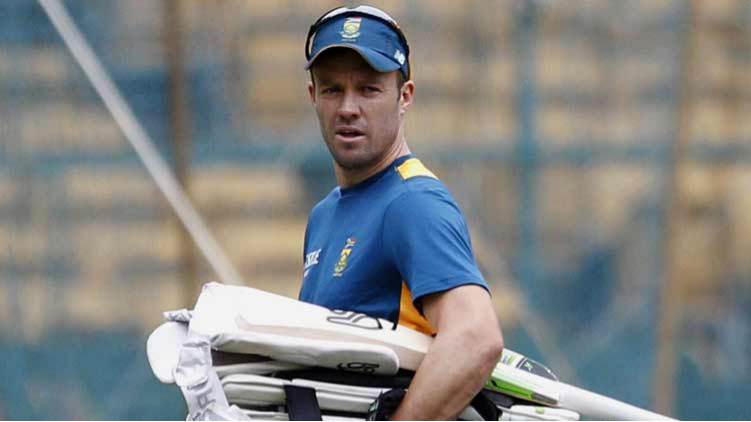 AB de Villiers sympathizes with Steve Smith for receiving harsh punishment over ball-tampering saga