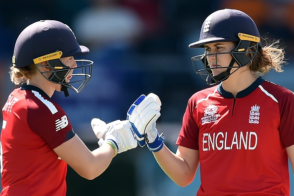 England's Heather Knight (L) with new vice-captain Natalie Sciver (R) | Getty