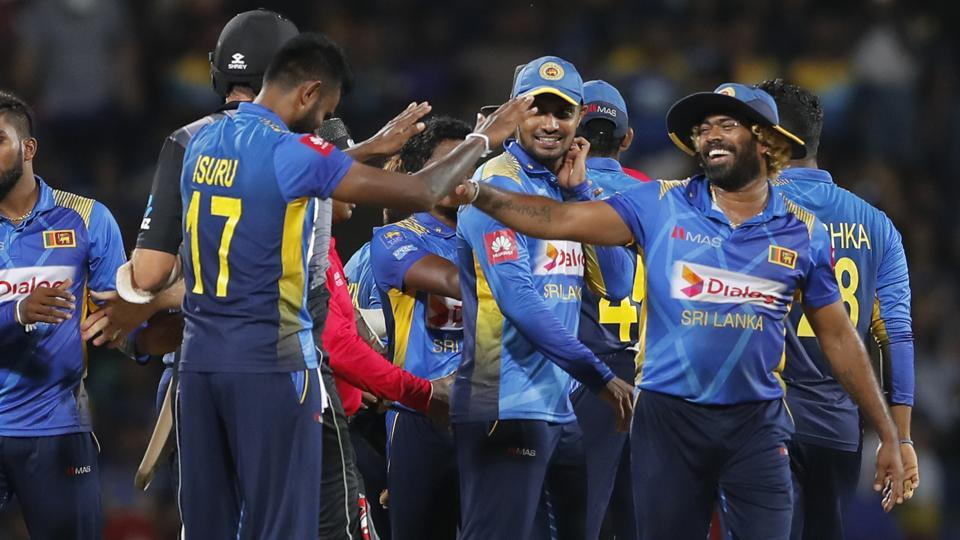 Ten star SL cricketers including Malinga. Mathews, Chandimal and Thisara Perera pulled out of Pak tour | AFP