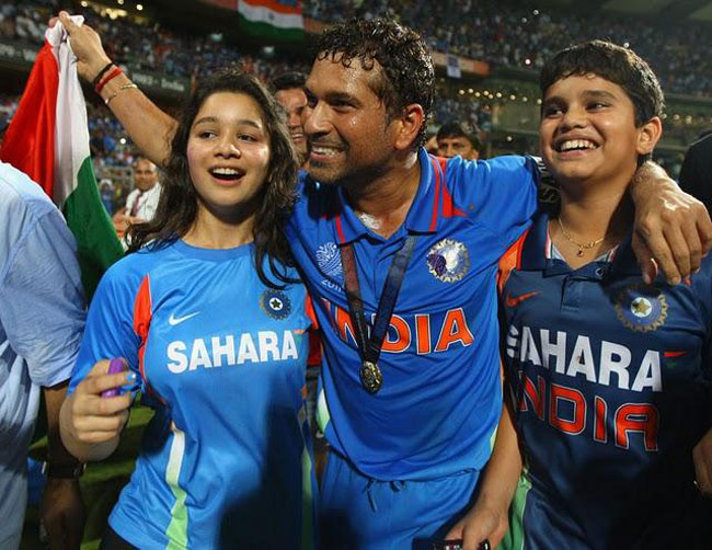 Sachin Tendulkar with daughter Sara and saon Arjun after winning the 2011 World Cup
