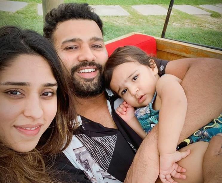 पत्नी रितिका और बेटी समायरा के साथ रोहित शर्मा | Instagram
