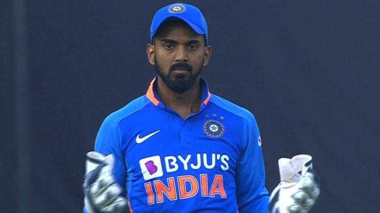 IND v AUS 2020: KL Rahul keeps wickets as Rishabh Pant under concussion observation