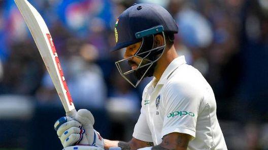 AUS v IND 2018-19 : मेलबोर्न में बल्लेबाज़ी करने उतरे भारतीय कप्तान विराट कोहली को दर्शको ने किया हूट