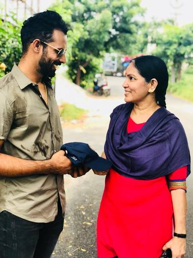 Hanuma Vihari showing the priceless Indian Test cap to his mother Vijayalakshmi | Starsports