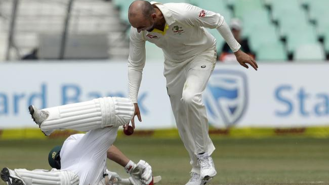 SA v AUS 2018: Nathan Lyon charged by ICC for his antics after running out AB de Villiers