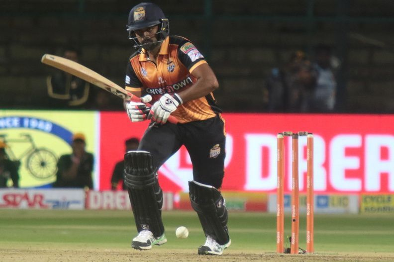 Hubli Tigers skipper Vinay Kumar played another brilliant knock for his team (Pic. Source: KPL)