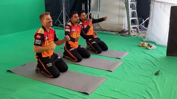 WATCH- David Warner, Rashid Khan and Manish Pandey shake a leg on Bollywood song
