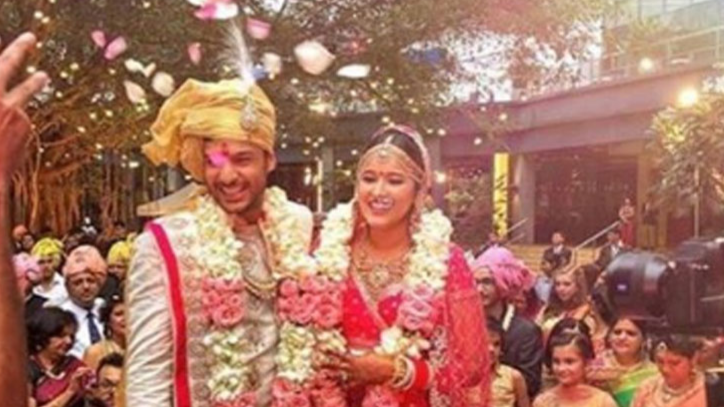 Mayank Agarwal gets married to his long time girlfriend, KL Rahul attends the function