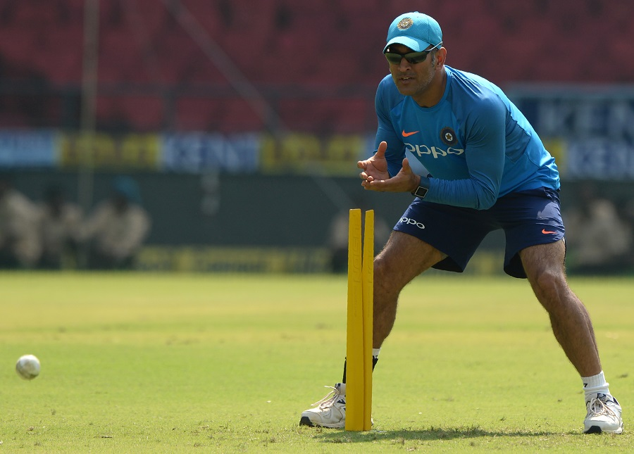 MS Dhoni gets wishes from Abhishek Bachchan on his 400th scalp behind the wicket