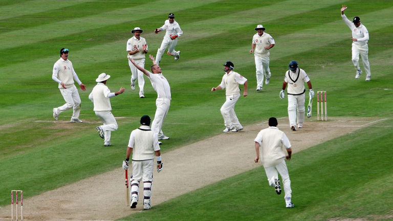 England won the famous Ashes Test in 2005 by just 2 runs. (Getty)
