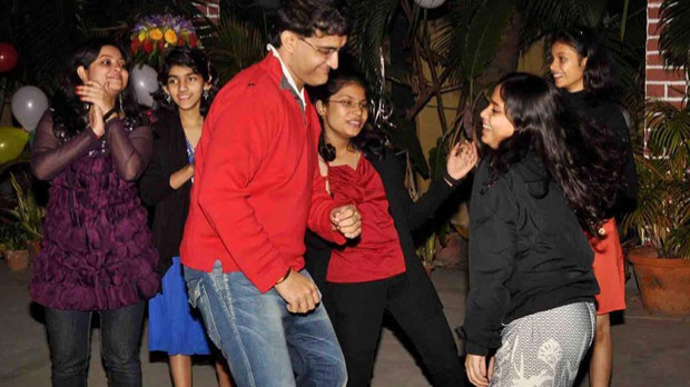 WATCH: Sourav Ganguly's lit moves sets dance floor on fire
