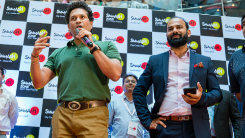 Sachin Tendulkar visits Hyderabad, requests all to have a healthy lifestyle
