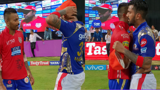 IPL 2018: Hardik Pandya of MI and KL Rahul of KXIP exchanges jersey after a close encounter