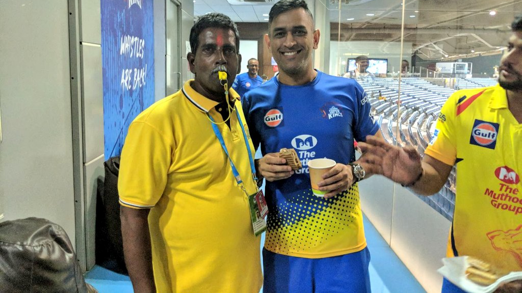 IPL 2018: MS Dhoni fans laud him for meeting Chepauk ground staff on Labour day