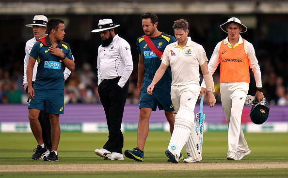 Steve Smith had to retire hurt after being hit by the nasty Jofra Archer bouncer | Getty