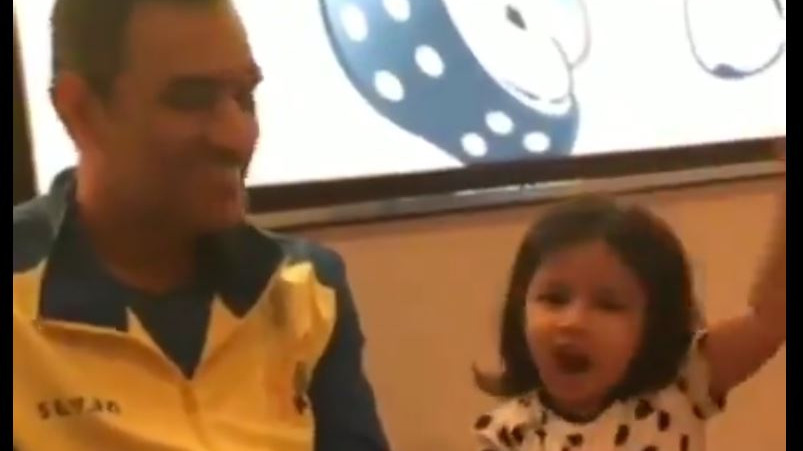 IPL 2019: WATCH – MS Dhoni gives Ziva language lessons and she answers correctly