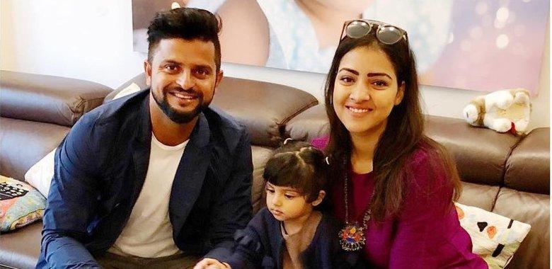 अपने परिवार के साथ सुरेश रैना | Getty