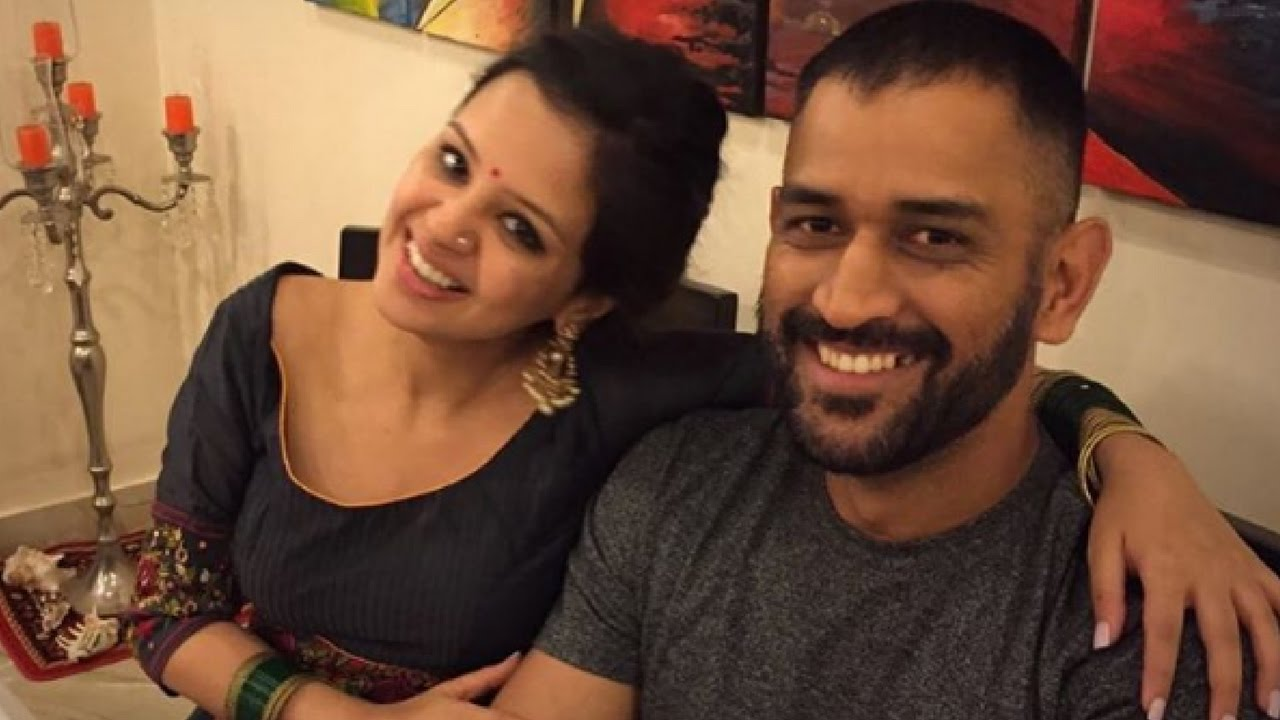 MS Dhoni with wife Sakshi Dhoni | Instagram