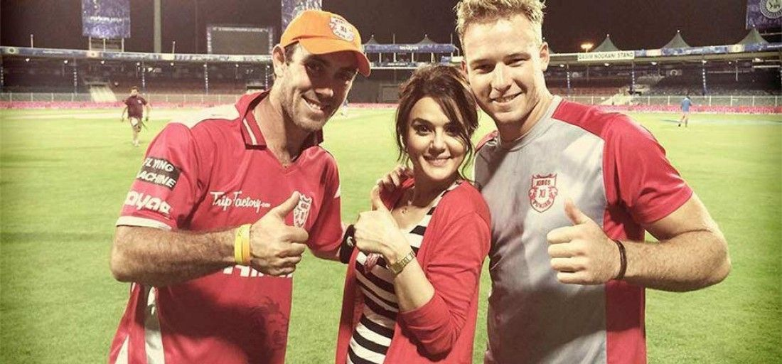 Preity Zinta wiht her KXIP players Glenn Maxwell and David Miller | Twitter