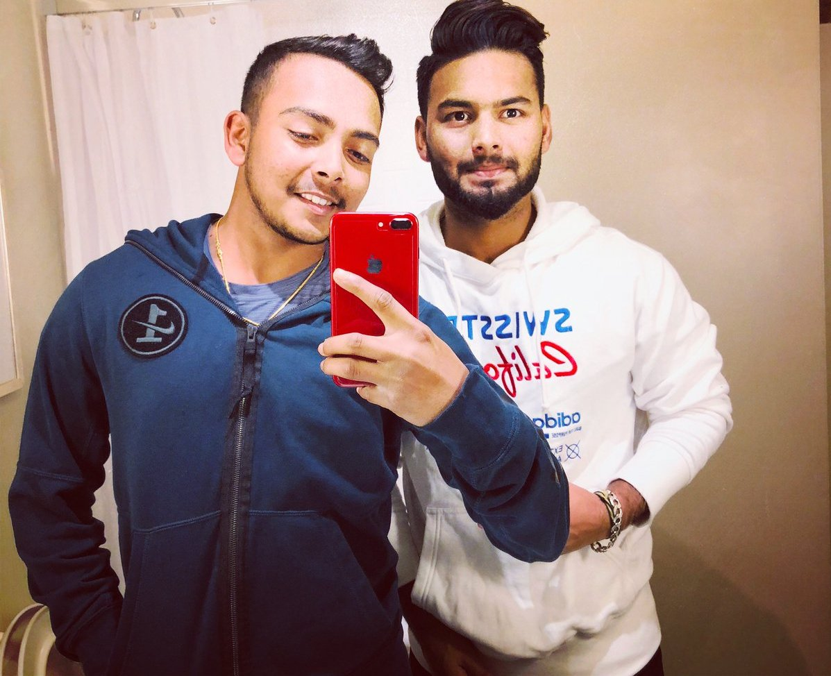 Rishabh Pant shared a picture with Prithvi Shaw on his official Twitter page | Twitter
