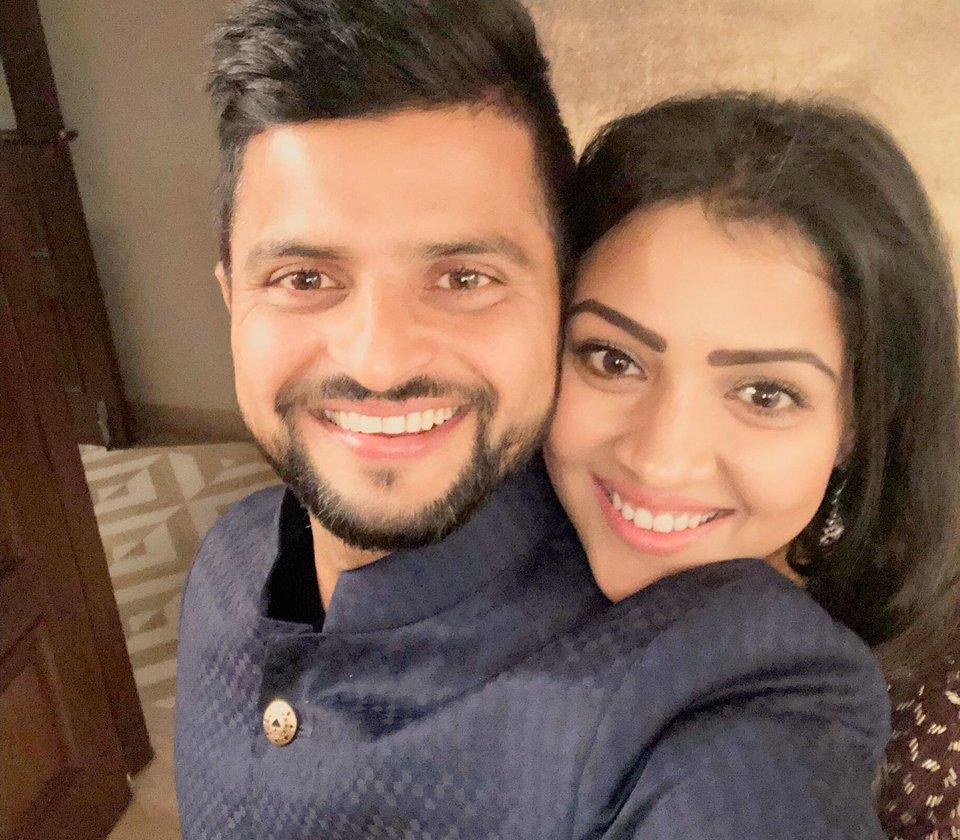 Suresh Raina with wife Priyanka   Twitter