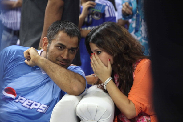 MS Dhoni with wife Sakshi Dhoni | GETTY
