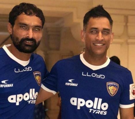 MS Dhoni meets his ISL team Chennaiyin FC players
