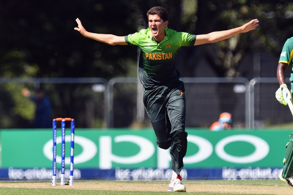 Dravid congratulated Shaheen Shah Afridi during the ICC U-19 World Cup 2018 | Getty