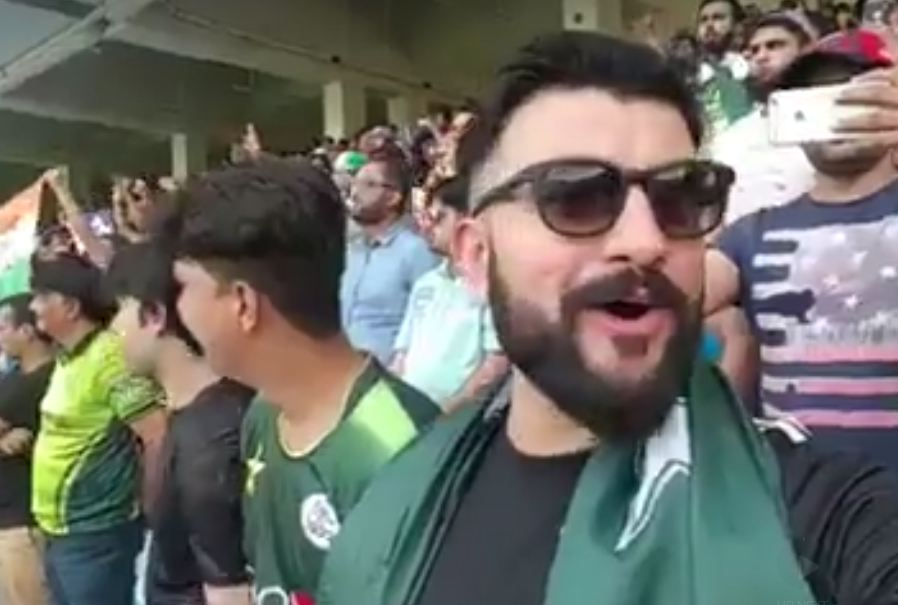 A Pakistani fan singing the Indian National Anthem | Facebook
