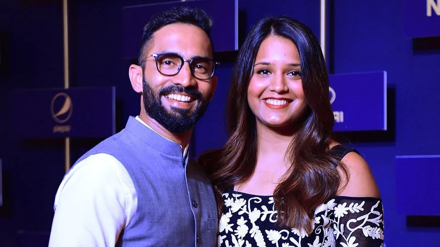 Dinesh Karthik and I don't speak about our respective sports at home, says Dipika Pallikal