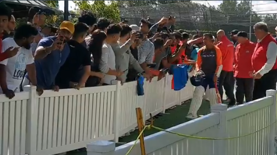 AUS v IND 2018-19: WATCH- Teenage sensation Prithvi Shaw surrounded by crowd for selfies