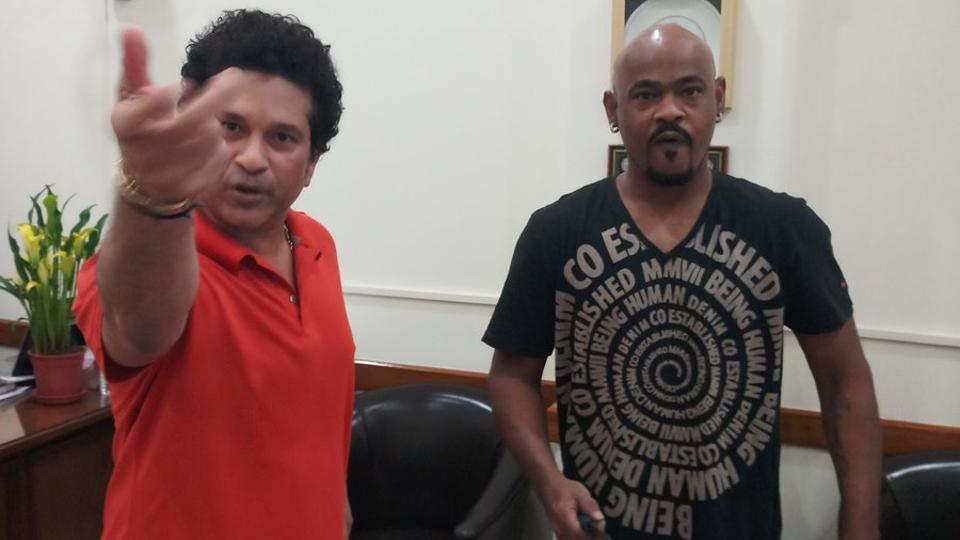 Vinod Kambli wants to make his friend Sachin Tendulkar's birthday special on Twitter