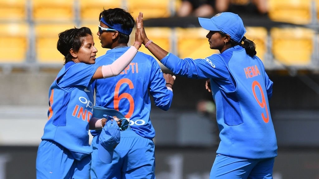 India women win 1st T20I by 11 runs against South Africa women; Harmanpreet and Deepti shine