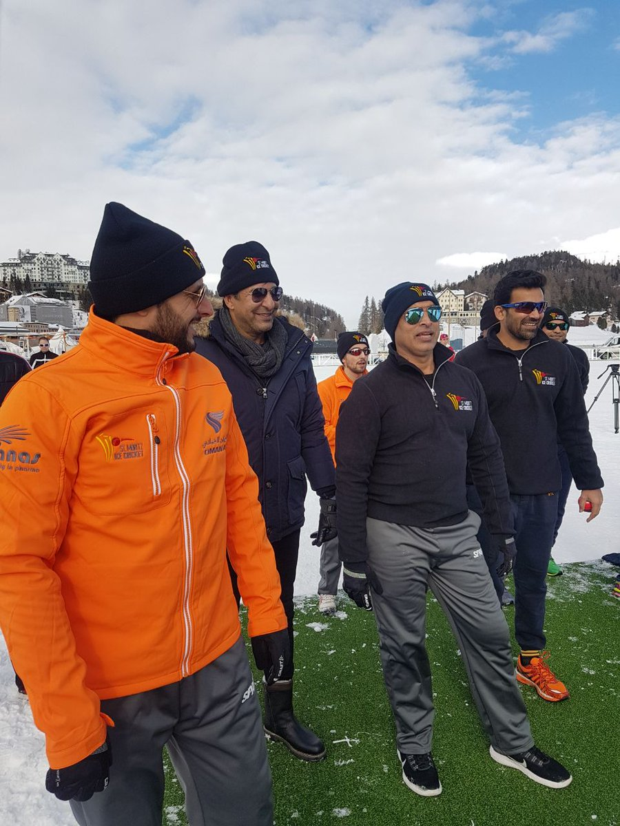 Shahid Afridi, Zaheer Khan want Ice Cricket to prosper