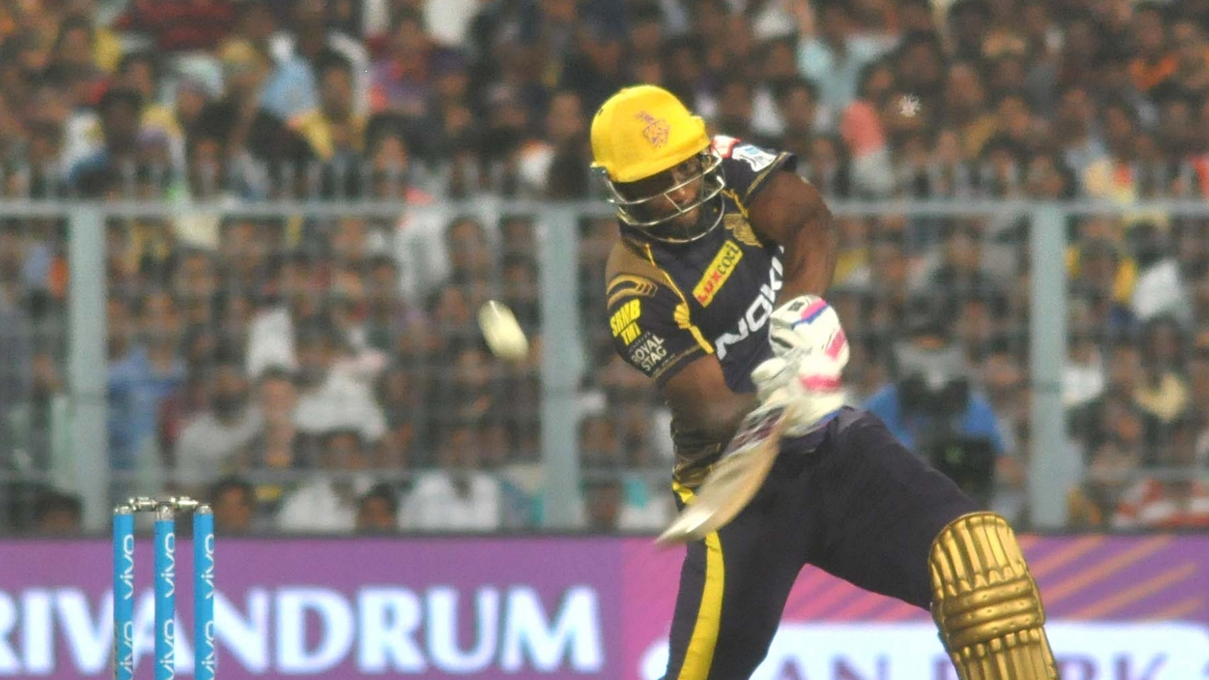 IPL 2018: Watch – Dinesh Karthik interviews Andre Russell about his six hitting abilities