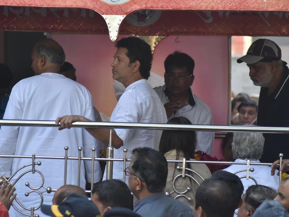Sachin during the funeral procession | Times now