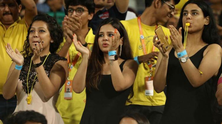 IPL 2018 : एमएस धोनी के 7वें आईपीएल फाइनल में पहुंचने के रिकॉर्ड पर झूम उठी साक्षी