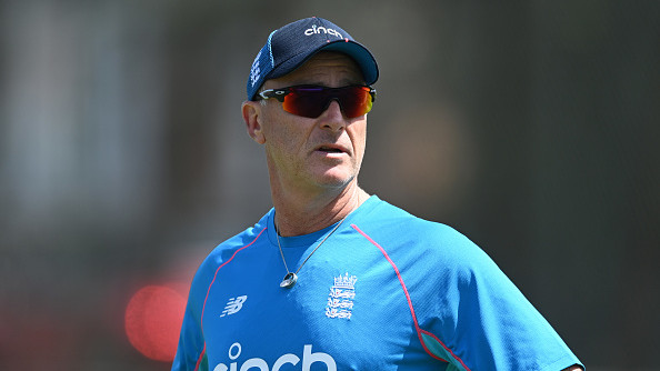 Graham Thorpe urges England batsmen to be desperate to keep their places in the side