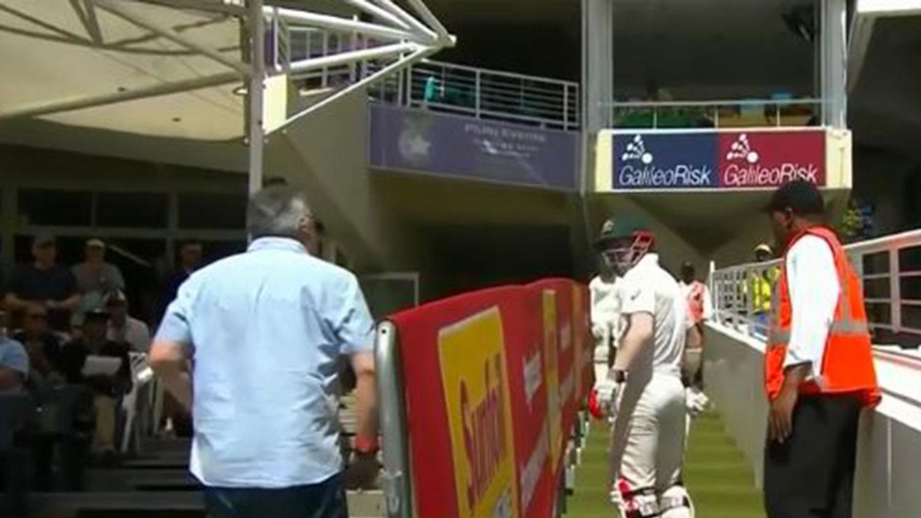 ऑस्ट्रेलिया ने फैन द्वारा खिलाड़ियों के साथ किये 'शर्मनाक' व्यवहार की शिकायत की