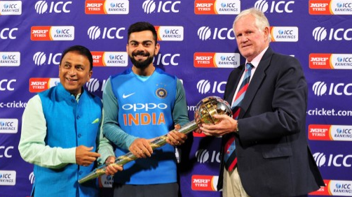 Graeme Pollock happy to present ICC Test Championship mace to Virat Kohli