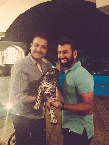 Cheteshwar Pujara and Ravi Shastri click a photo with a leopard; Twitterati ensure that hilarity ensues