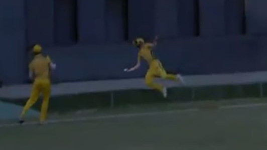 Rahul Tripathi pulls off a spectacular one-handed relay catch in Syed Mushtaq Ali Trophy against Railways