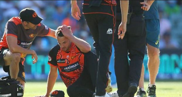 Nathan Coulter-Nile of Perth Scorchers suffered from vertigo during a BBL match