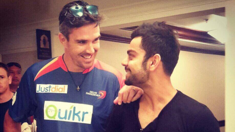 Kevin Pietersen asks for help with earphones; Virat Kohli suggests his favorites