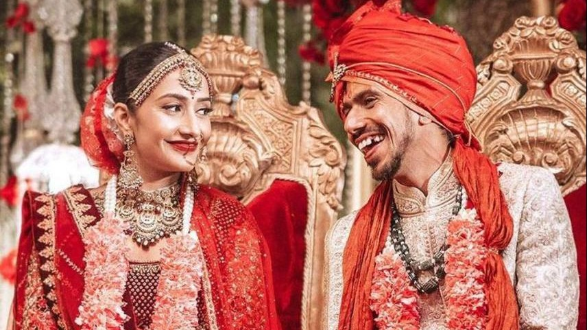 शादी के बंधन में बंधे युजवेंद्र चहल और धनश्री वर्मा, ट्विटर पर फैंस ने अनोखे अंदाज़ में दी बधाई