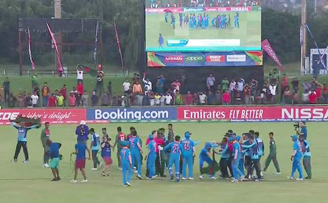 India and Bangladesh cricketers indulge in a fight after the U-19 World Cup final | Screengrab