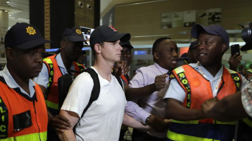 Former players criticize how Steve Smith was treated on his departure from South Africa
