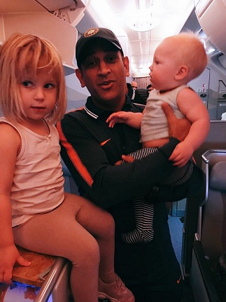 Jonty Rhodes shares a cute pic of his children Nathan Jon and India with MS Dhoni