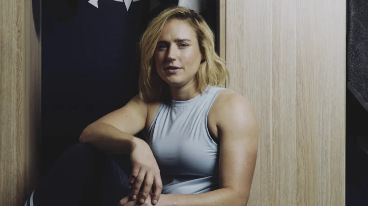Ellyse Perry reveals her spooning partner during the night