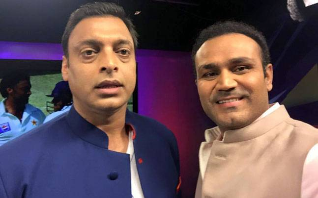 Shoaib Akhtar and Virender Sehwag | Twitter